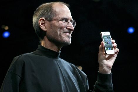 Steve Jobs, en la presentación del iPhone 4 en junio de 2010. | Afp