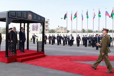 Medvedev y Abu Mazen en Jericó.   AP