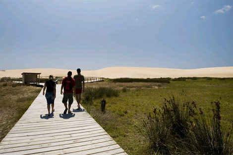El Parque Natural de las dunas de Corrubedo es uno de los atractivos. | Turgalicia