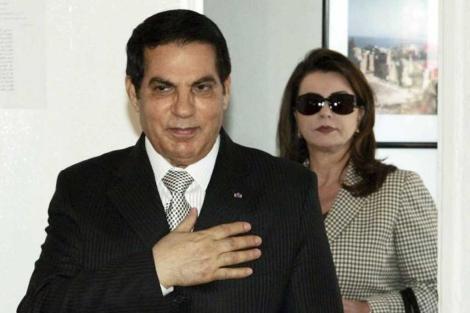 El presidente Ben Ali, junto a su esposa Leila. | Efe