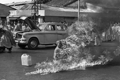 El monje Thic Quand Duc se quemó vivo en 1963.   Malcom Browne (AP)