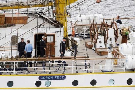 Tripulación a bordo del velero militar alemán Gorch Fock. | Reuters