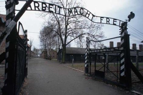 El tristemente célebre 'El trabajo os hará libres' de Auschwitz. |