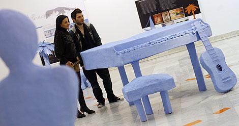 El color azul predomina en las esculturas. | Madero Cubero