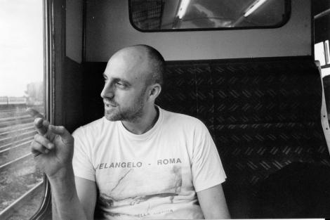 Retrato del artista Adam Fuss