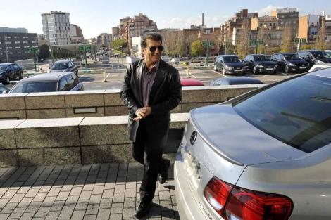 Laporta llega 45 minutos tarde al congreso de su partido. | Santi Cogolludo