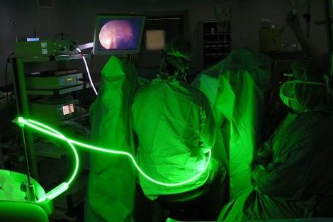 videojuego de próstata y láser verdes