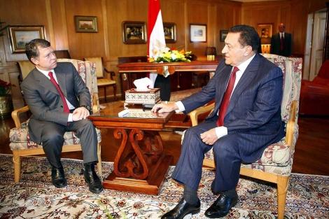El rey de Jordania Abdullah II (izda.) con Hosni Mubarak, en una visita a Egipto. | Afp