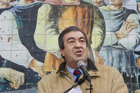 Álvarez-Cascos, el día que se formalizó su entrada en Foro Asturias. | Efe