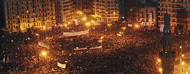 Alrededor de un millón de personas se ha congregado en la Plaza de Tahrir. | Efe | VEA MÁS IMÁGENES