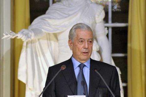 El escritor peruano en la recepción del Premio Nobel. | Henrik Montgomery / Scanpix / Afp