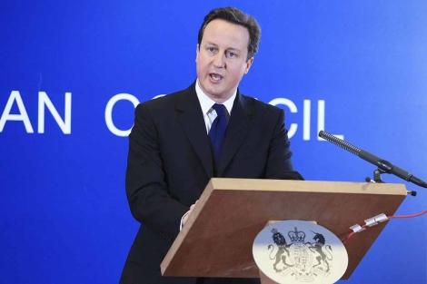 David Cameron tras la Cumbre Extraordinaria de Jefes de Estado de ayer en Bruselas.   Efe