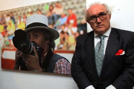 Giráldez en un homenaje al fotógrafo Fernando Peñalosa.   R. Blanco