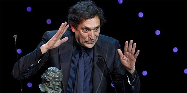 Villaronga, recogiendo el premio a Mejor Director. | E. M.