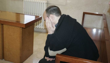El acusado en el banquillo. | Jordi Avellà