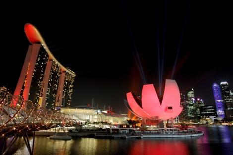 El nuevo edificio de Marina Bay Sands en Singapur durante su inauguración. | Stephen Morrison