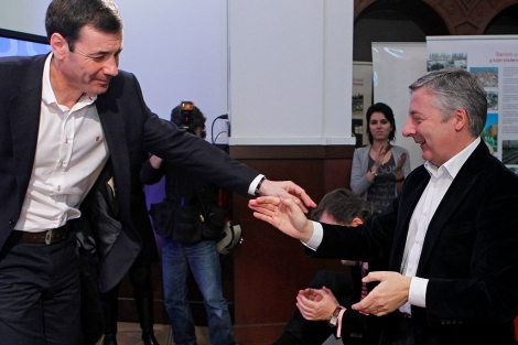 Imagen de Tomás Gómez y José Blanco en la convención. | Foto: Efe