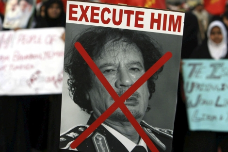 Manifestación contra Muamar Gadafi en Karachi (Pakistán). | Efe