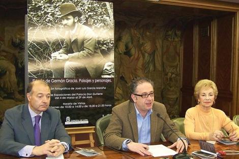 José Luis García Maraña, Javier Chamorro y la nieta de Germán Gracia, Ninfa Gracia.