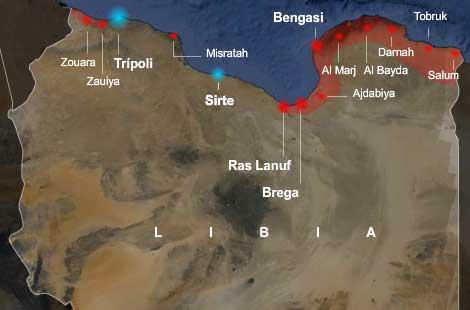 En rojo las ciudades de los rebeldes y en azul las de Gadafi. VEA MÁS GRÁFICOS