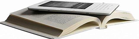 Libro digital sobre libro de formato físico. | E. M.