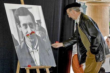 Tasio Erkizia , durante el homenaje a 'Argala', el 21 de diciembre de 2008. | I. Andrés.