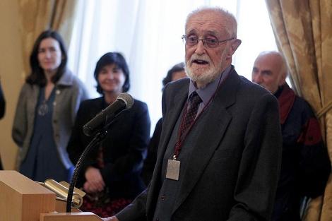 José Luis Sampedro durante su discruso tras recibir la Orden de las Artes y las Letras. | Efe
