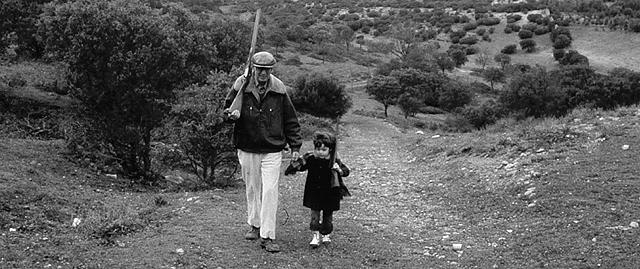 Delibes con su nieta. | Familia Delibes