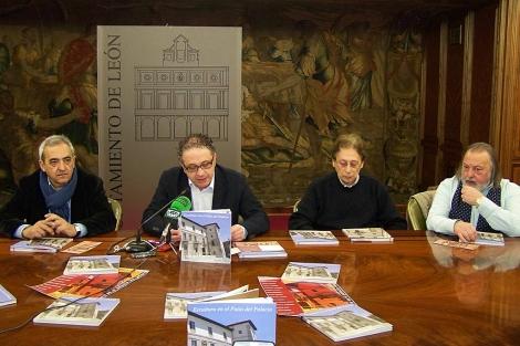 Ramón Villa, Javier Chamorro, Marcelino Cuevas y Juan Carlos Uriarte, ayer en el Consistorio.