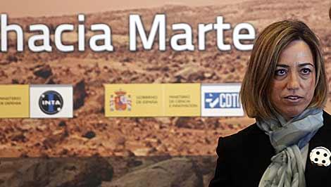 La ministra de Defensa, Carme Chacón, en la firma de un acuerdo con EEUU. | J. Barbancho.