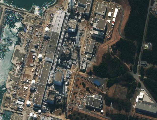 La central de Fukushima, desde el aire.   Afp