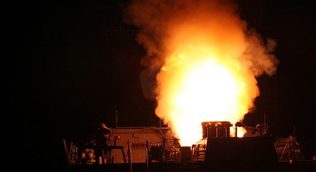 Uno de los misiles Tomahawk lanzados sobre la primera fase de la operación.   Afp