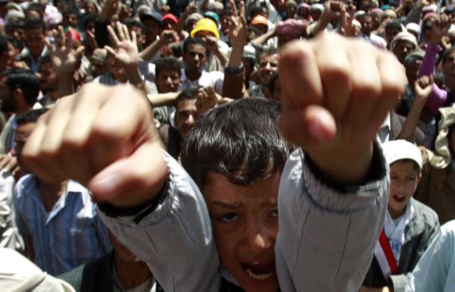 Un niño grita en las manifestaciones contra el presidente yemení. | Reuters