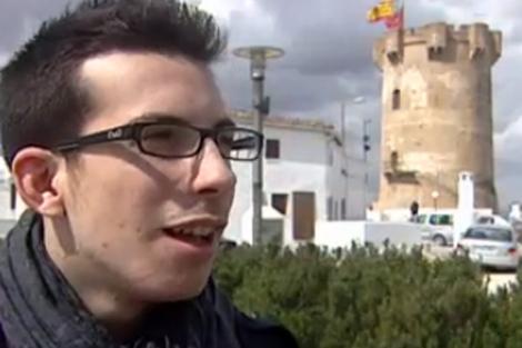 Samuel Fernández, el joven que quiere ser 'rey' de sus fiestas.   Imagen: Canal 9