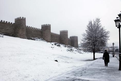 Las laderas de las Murallas amanecieron cubiertas de nieve. | R. Muñoz
