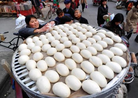 Venta de bollos en Xiangyang. | Reuters