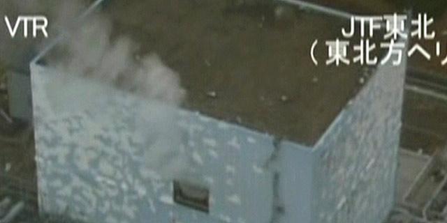 Imagen del reactor 2 de la central de Fukushima tomada el pasado día 23. (Reuters)