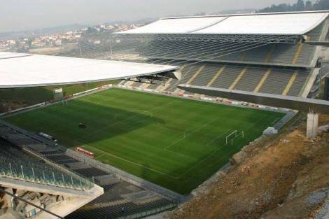 Estadio de Braga durante su construcción.
