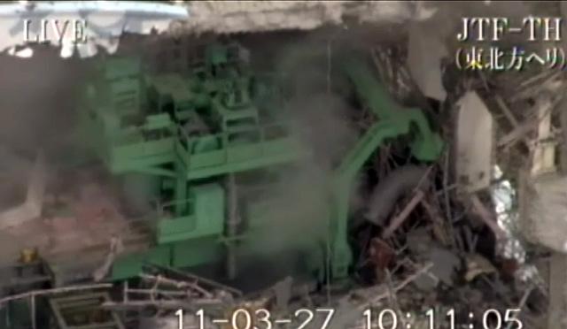 Imagen del interior del reactor número 4, cuya estructura está gravemente dañada.   Afp
