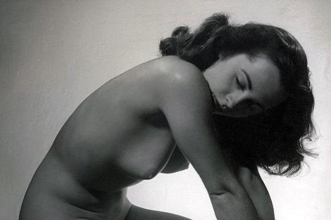 La imagen de Elizabeth Taylor posando desnuda.   Daily Mail