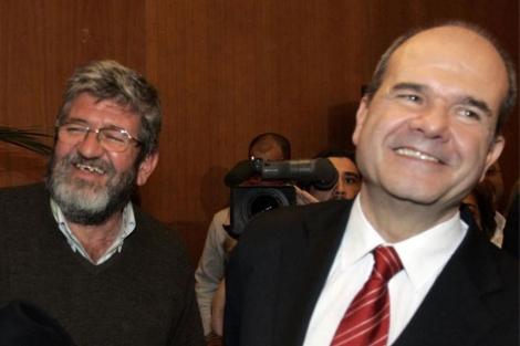 Manuel Chaves (dcha), junto a su hermano Leonardo.  EL MUNDO