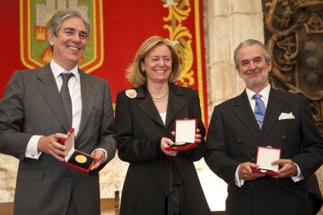 De izquierda a derecha, Fernández-Galiano, Luca de Tena y Herranz. | Ical