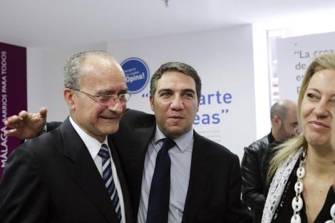 Francisco de la Torre con Elías Bendodo y Carolina España. | Jesús Domínguez