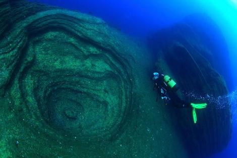 El ministro Miguel Sebastián, practicando submarinismo en El Hierro. | Blog Ana Oramas