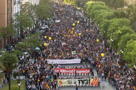 La cabeza de la manifestación en Blanquerías. | Benito Pajares