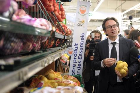 El secretario de Estado de Consumo francés, Fréderic Lefebvre, presenta la iniciativa. | Afp