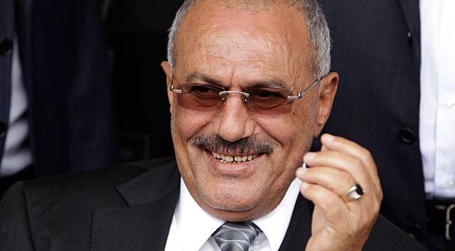 Saleh, en una marcha de apoyo en Saná. | Reuters