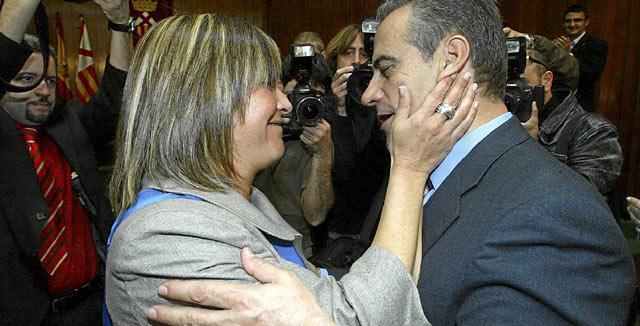 Núria Marín recibió el relevo de Celestino Corbacho en 2008. | Antonio Moreno