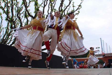 Baile de gitanas en la Rambla de Mollet en la edición anterior. | El Mundo