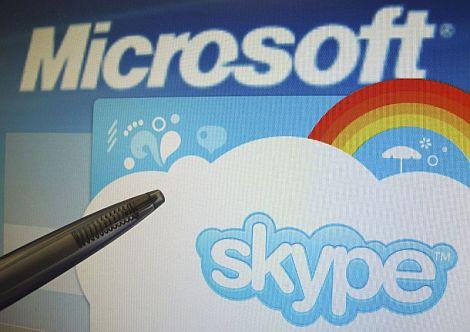 Los logos de Microsoft y Skype. | Efe